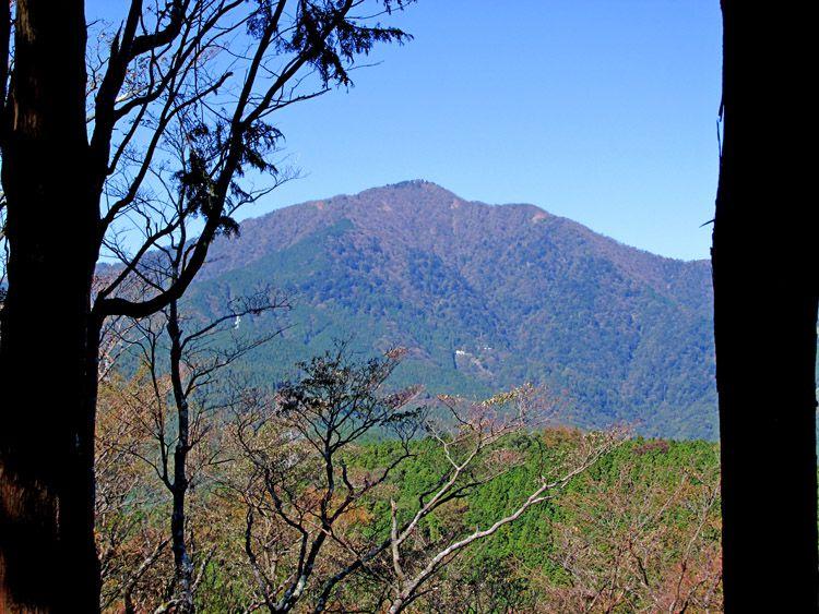 高取山からは正面に額縁のように大山が見える