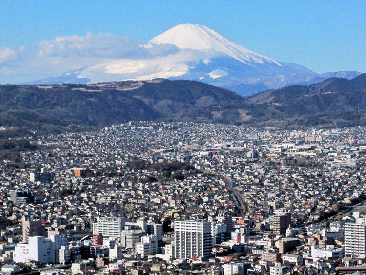 権現山展望台からの富士山と秦野駅周辺(下)